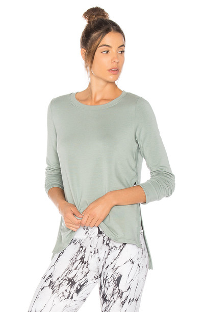 Beyond Yoga pullover sweater