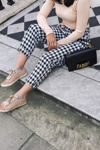 pants tumblr gingham shoes bag black bag cropped pants