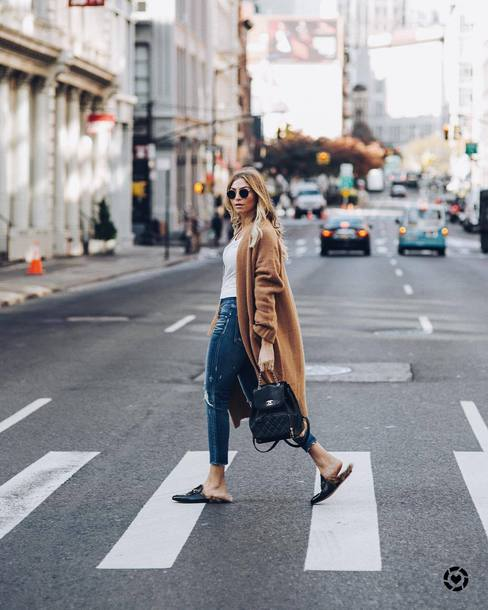 cardigan tumblr nude cardigan camel camel cardigan denim jeans blue jeans shoes mules fall outfits backpack