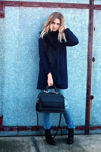 lilissss blogger pants navy oversized sweater scarf faux fur