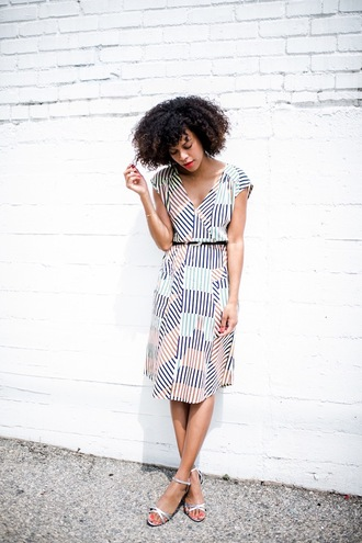 style me grasie blogger dress shoes belt colorful striped dress h&m zara spring dress simple et chic trendy streetstyle