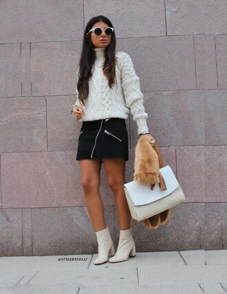 style by nelli blogger sweater t-shirt bag skirt shoes