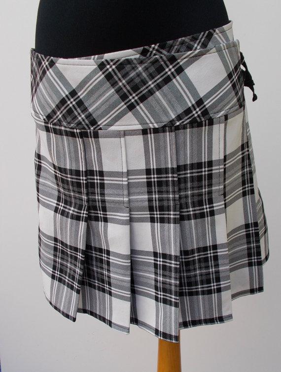 5db45e2b6 Tartan pleated mini skirt Black white Checkered plaid Vintage club kid /  Medium