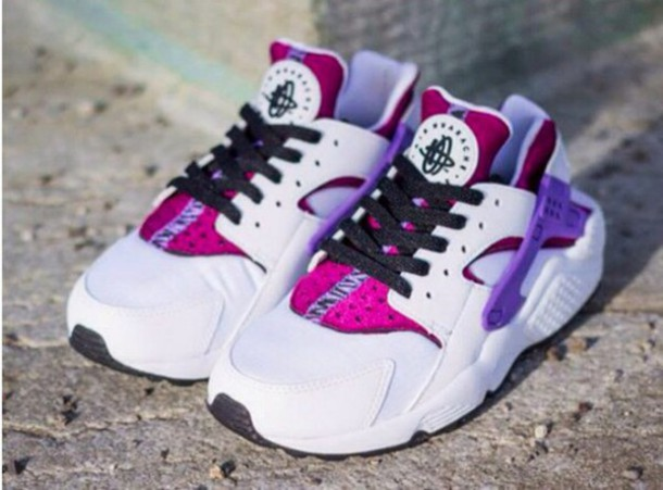 a51b315bc81 shoes nike air force huarache violet fushia blanc purple lacet noir