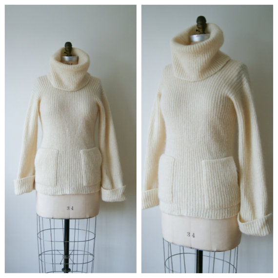 70s Sweater. Vintage Turtleneck Sweater. by NewOldFashionVintage