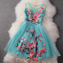 Nieuwe aankomst lente en de zomer 2014 drie  dimensionale geborduurde pruim geborduurde partij jurk rok