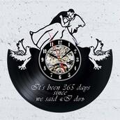 home accessory,decorative wall clock,wall clocks,home decor,anniversary gift,clock,vinyl clocks,vinyl records clocks,creative wall clocks,gullei