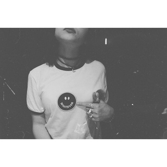 t-shirt hey violet top logo
