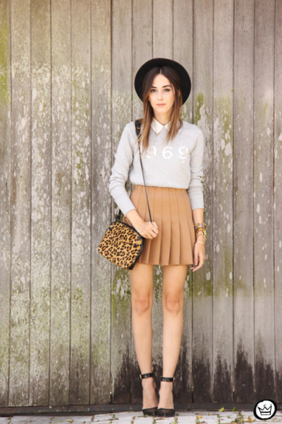 fashion coolture blogger skirt pleated skirt grey sweater leopard print