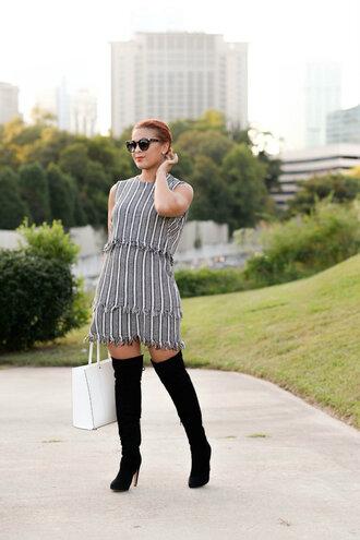 fashionably lo blogger shoes tights coat dress sunglasses bag