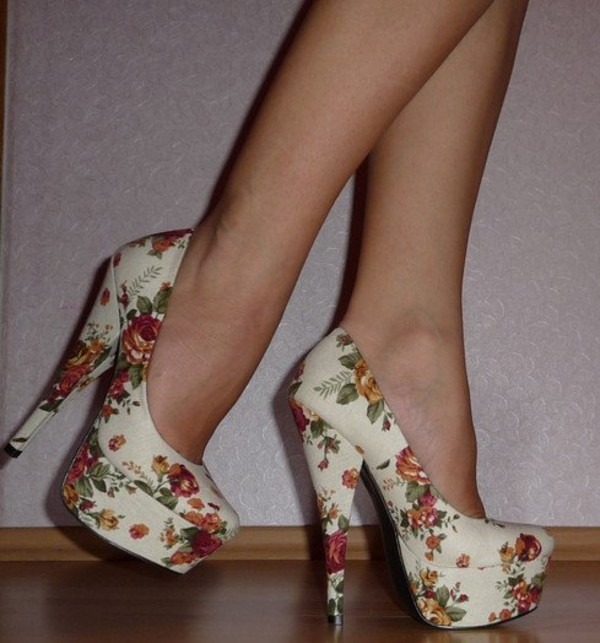 shoes high heels floral floral heels floral high heels pumps vintage flowers fashion white cute high heels cute shoes pastel pastel shoes platform shoes platform shoes platform high heels white high heels retro beige shoes beige beige pumps weheartit tumblr