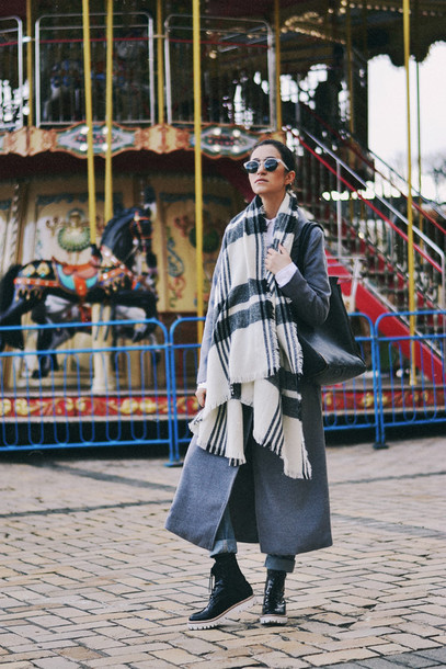 tina sizonova blogger long coat grey coat blanket scarf winter outfits coat scarf bag shoes shirt