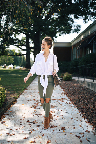southern curls and pearls blogger top jeans jewels shoes bag make-up ankle boots shoulder bag tie-front top fall outfits
