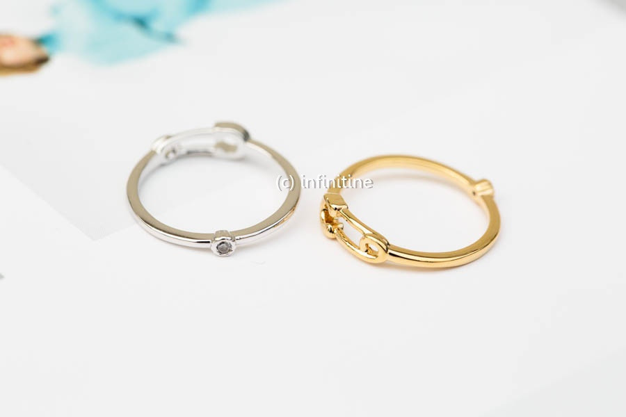 Mini safety pin knuckle ring,rn2371