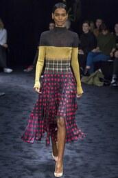 skirt,sweater,Paris Fashion Week 2017,loewe,runway,fashion week 2017,midi skirt,polka dots,top