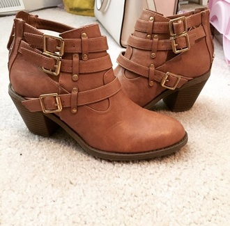shoes booties brown leather boots steve madden buckles cute