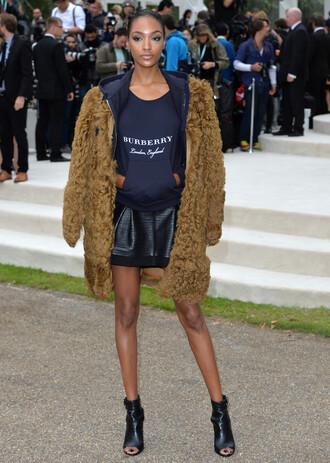 jacket top faux fur faux fur jacket jourdan dunn fashion week skirt booties