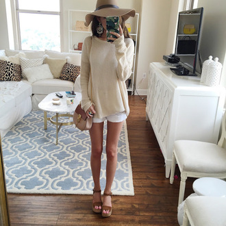 southern curls and pearls blogger jewels shoes white shorts mini bag floppy hat beige sweater wedges