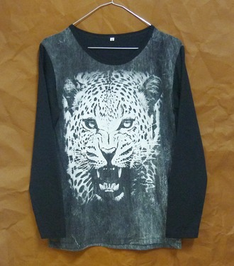 t-shirt tiger shirt tiger tshirt long sleeves crewneck animal tshirt wild shirt leopard tshirt leopard shirt bleached bleach shirt winter shirt cute shirt women tshirt men tshirt teen tshirt