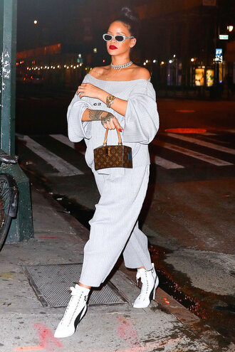 sweater sweatshirt sweatpants grey rihanna streetwear pants
