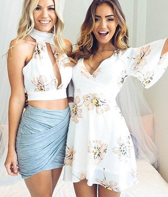 top top blogger lifestyle white top black top summer top tank top black crop top cute top crop tops crop cropped crop tops embrodering crop tops high waisted shorts boho dress flowers flowy