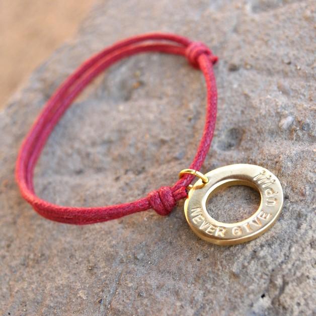 Braccialetti dell'amicizia - Braccialetto personalizzato con la scritta - un prodotto unico di SheBijou su DaWanda