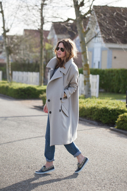 fash n chips coat jeans shoes t-shirt sunglasses
