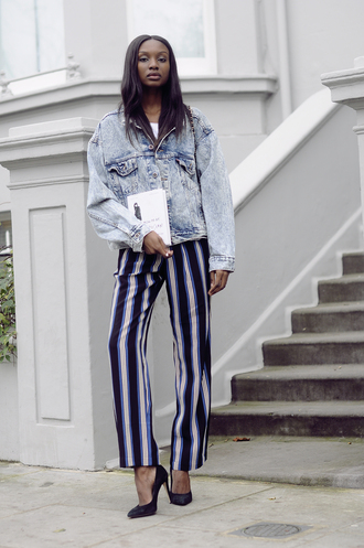 bisous natascha blogger pants oversized denim jacket stripes striped pants jacket t-shirt shoes bag