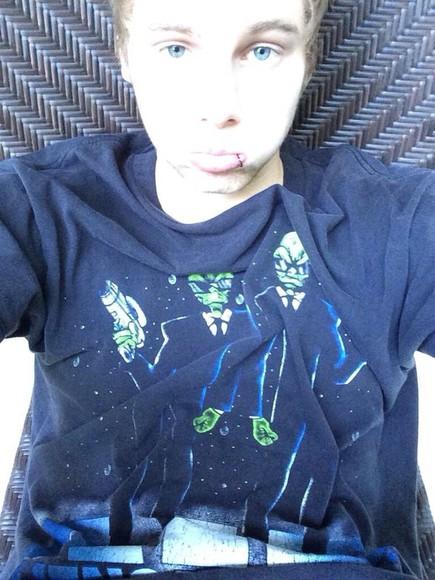 t-shirt space alien 5 seconds of summer luke hemmings navy blue tuxedo