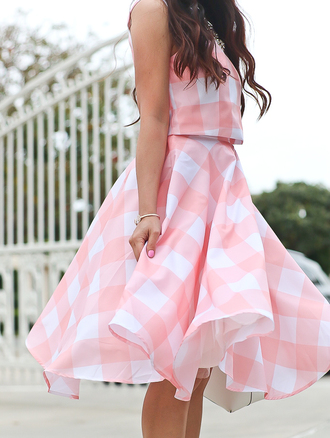 stylish petite blogger skirt shoes bag sunglasses jewels make-up nail polish spring dress pink dress midi dress