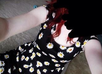 dress daisy floral dress flowers black skater scoopneck
