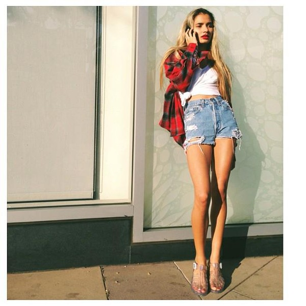 jacket pia mia perez pia mia perez red flannel shirt flannel shirt High waisted shorts demin sandals crop tops crop tops ripped shorts distressed denim shorts ripped denim white green perfecto red shorts patagonia
