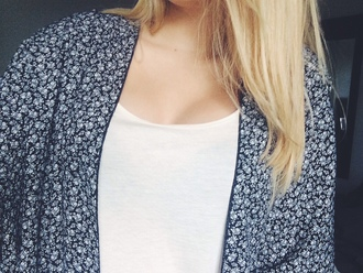 cardigan kimono black white flowers blonde hair jacket blouse