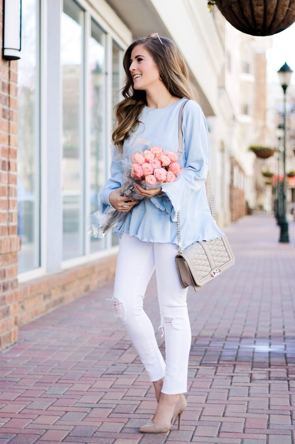 89d066097 thedaintydarling blogger sweater jeans shoes jewels sunglasses.
