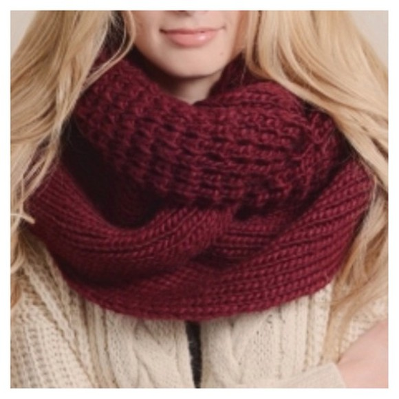 knitwear scarf chunky knit chunky infinity scarf cowl extra large big burgundy infinity scarf