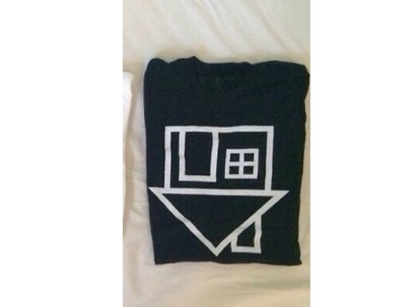 t-shirt back black& white home decor house pary black white
