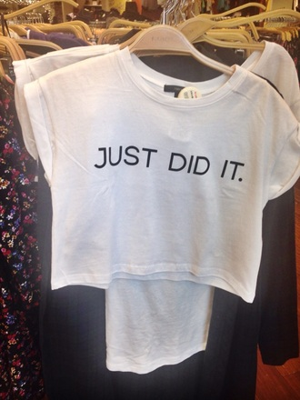 nike swag cropped t-shirt