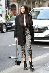 shoes,fall outfits,madison beer,celebrity,casual,animal print,leopard print,coat