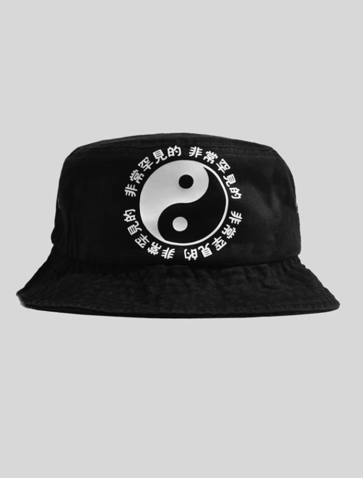 Very rare ying yang tokyo bucket hat supreme pink dolphin 40 oz van