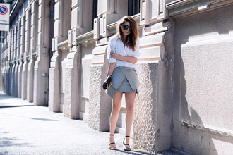 scent of obsession blogger tulip skirt grey skirt mini skirt classy white shirt black sandals