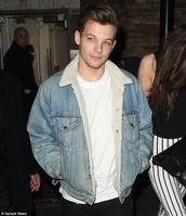 louis tomlinson,denim jacket,one direction,shearling jacket,mens jacket,mens denim jacket,shearling denim jacket,vue boutique,fur collar jacket,denim fur collar,cold,jacket,jeans,cool