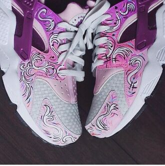 nike white pink shoes trainers girly tumblr ha haraches cool unique trend