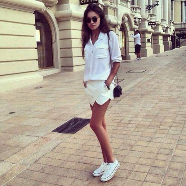 shorts short white beige look fashion girl class classic girly beautiful style classy and fabulous classic white ballerines noire classe style