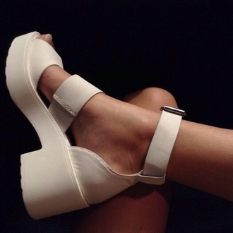 shoes white white shoes platform shoes heel lovely white shoes sandals heels white sandal heels mid heel sandals