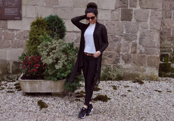 satisfashion blogger jeans black pants