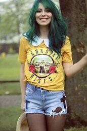 guns and roses,yellow,t-shirt,shirt,shorts,yellow t-shirt,denim shorts,blue shorts,green hair,tights