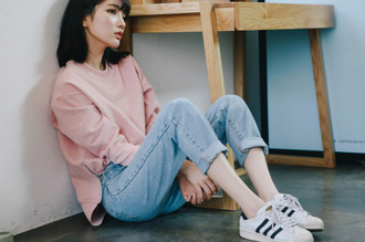 shoes fashion cute adidas jeans boyfriend sweater white black sneakers tennis shoes