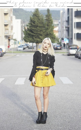 the black effect blogger suede skirt button up skirt yellow skirt mustard fall skirt