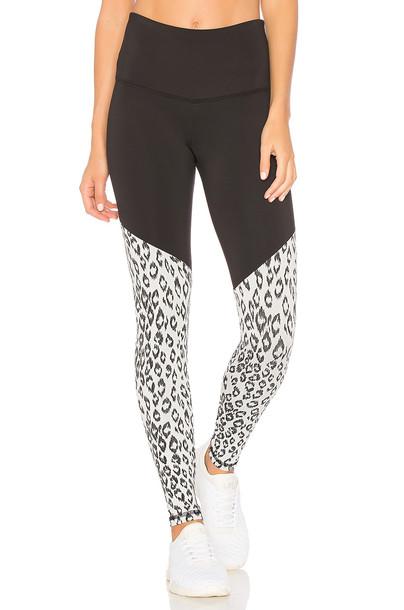 strut-this black pants
