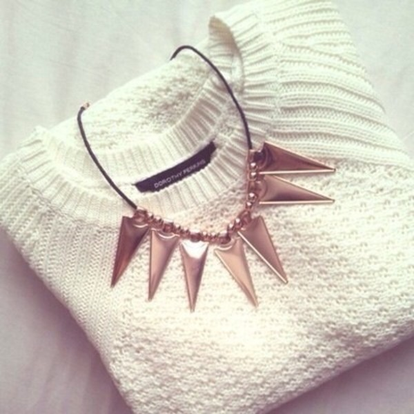 jewels sweater gold necklace